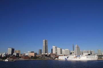 大桟橋から見た横浜みなとみらい21と富士山