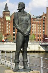 """Denkmal von """"Claas Störtebeker"""" in Hamburg"""