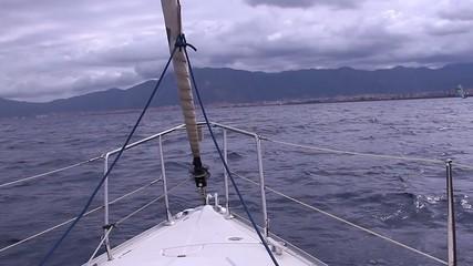 barca in navigazione