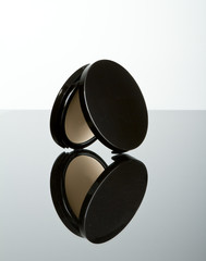 Makeup pressed powder foundation compact