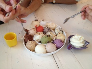 eat icecream with friend greedily