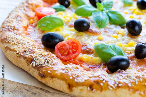 Vegetarian pizza - 64355034