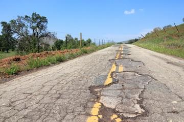 Bad road in USA - Yokohl Drive in California
