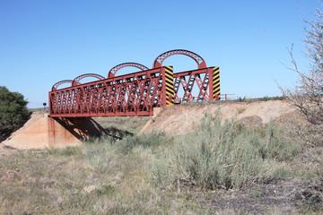 Eisenbahnbrück in der Wüste