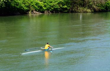 Canottaggio sul fiume Po