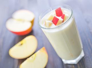 yogurt with red apple