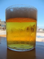 Vaso de cerveza, glass of beer.