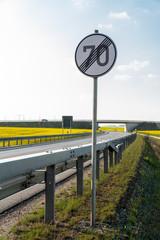 Verkehrsschild Aufhebung 70