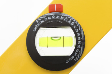 Forty-five degrees / Spirit level to measure the angle.