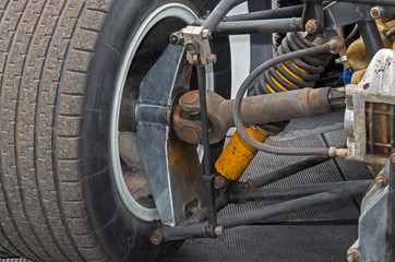 Rear wheel suspension