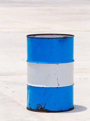 Oil barrel tank