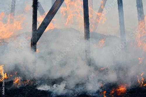 Сгоревший дом. - 64426039
