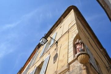 Architecture, statuette d'angle, Aix en provence