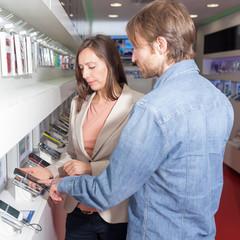 Kundenberatung im Handyladen