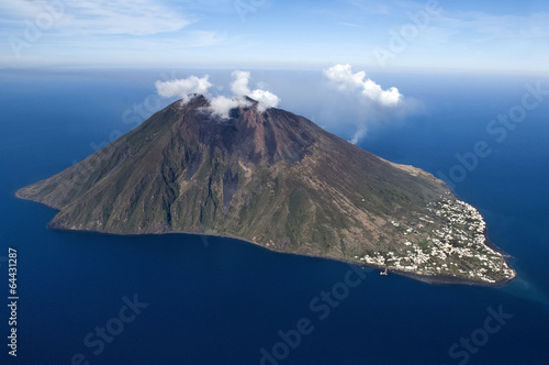Deurstickers Luchtfoto stromboli volcano at eolie island, Sicily, Italy