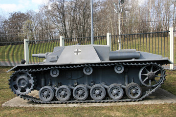 Self-propelled unit