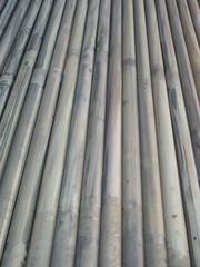uzun demir borular