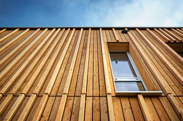 Holzhaus Holzfassade moderne Fassade profiliert Vollholz