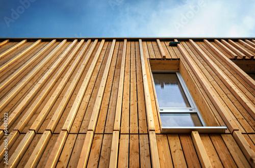 Leinwanddruck Bild Holzhaus Holzfassade moderne Fassade profiliert Vollholz