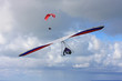 Leinwanddruck Bild - Hang Glider and Paraglider