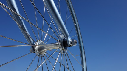 Rueda De Bicicleta Y Cielo