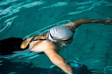 swimmer under water
