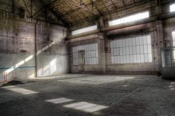 intérieur d'entrepôt désaffecté - hdr