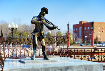 Sculpture of Jewish violinist in Birobidzhan, Russia