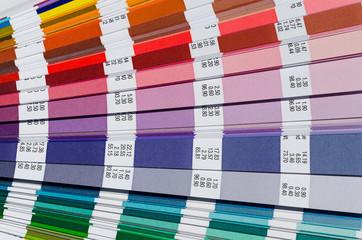 Farbfächer farben mischen