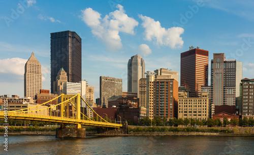 Zdjęcia na płótnie, fototapety, obrazy : Pittsburgh downtown skyline by the river