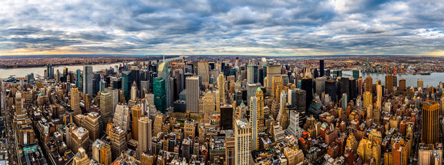 New York Panorama on a cloudy afternoon