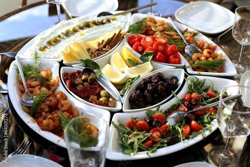 Papiers peints Table preparee Mediterranean appetizers