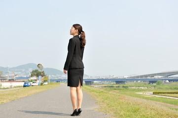 スーツのビジネスマン女性