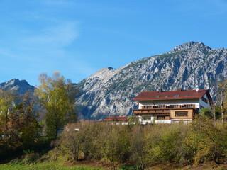 Haus nahe der Alpen