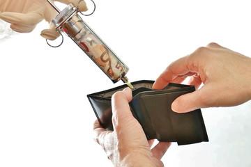 geldspritze füllt schwarze brieftasche, geldbörse, geldtasche