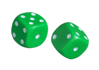 Dados verdes en fondo blanco.Juego de azar.