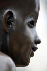 Kinderstatue Wasserlauf Bad Pyrmont