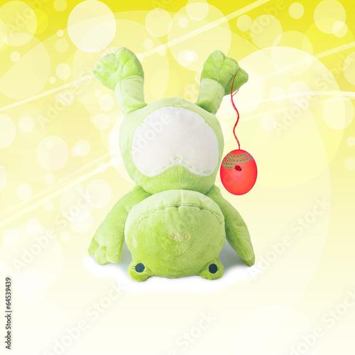 Leinwandbild Motiv frohes osterfest - frosch mit osterei