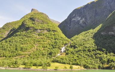 Naeroyfjord, Fjord, Laerdal, Dorf, Wasserfall, Sommer, Norwegen
