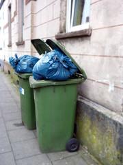 Mülltonnen voll