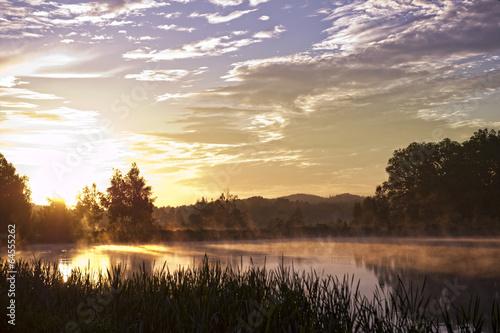 Sunrise over the river © Aarrttuurr