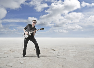 guitarist in the desert