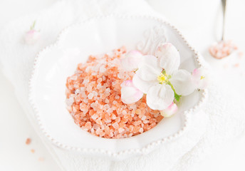 himalaya salt, bath salt