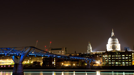 millenium bridge and saint paul