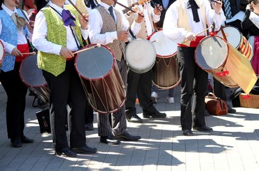 Fifres et tambourins en Provence