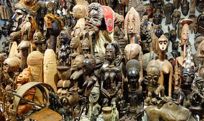 Artisanat d'Afrique en bois sculpté