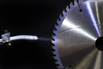 Circular Saw in Metal Working Lubricants