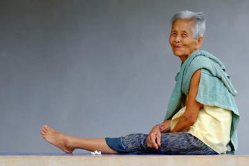 Alte asiatische Frau