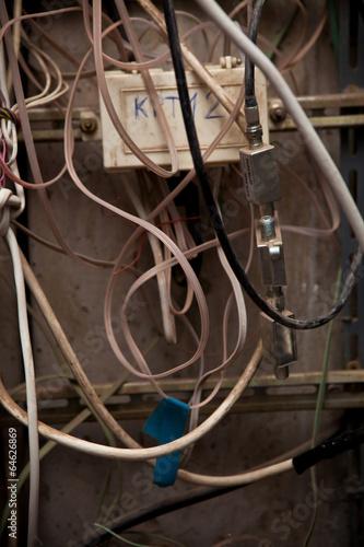 In de dag старые провода и кабель
