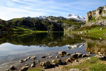 Orilla del lago Ercina - Covadonga - Picos de Europa